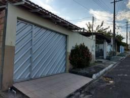 Casa em Condomínio Fechado. Alugo R$ 1.650,00