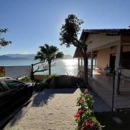 Casa na praia 7 quartos 2 suítes