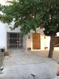 Alugo casa 2 Quartos + Garagem - Bairro Quintas