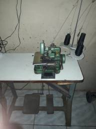 Máquinas de costura em ótimo estado