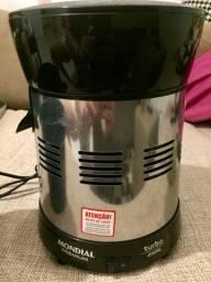 Extrator de frutas / sucos Mondial 250 W - Inox