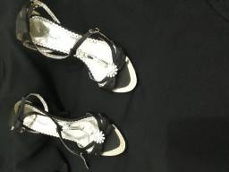 Uma sandalia