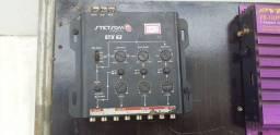 Cross over stx62 instalado com os cabos e regulado