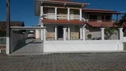 Casa de 4 dormitórios para temporada na Barra de Ibiraquera