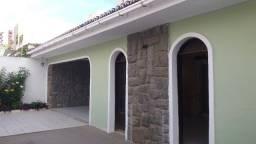 Estilo Colonial com 226m² - 3 qtos (1ste) - Barro Vermelho - Rua Churrascaria do Arnaldo