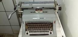 Máquina de Escrever Antiga Olivetti Linea 88 Para Decoração