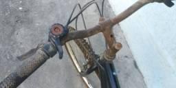 Vendo bicicleta aro 26 com marcha