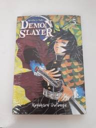 Kimetsu no Yaiba (Demon Slayer) - volume 5 (lacrado) + brindes