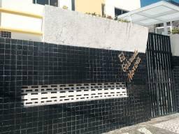 Apartamento no Edif. Gabriela Morena - Centro