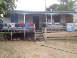 casa +comércio na beira do Rio Apipica(Atutazes)