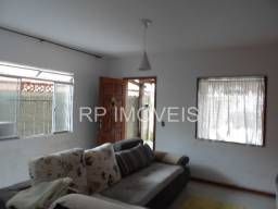 Bairro São Pedro / Casa com 2 quartos cobertura e garagem