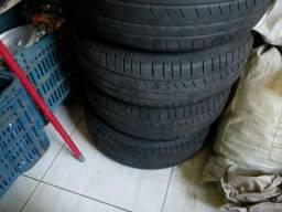 Vendo  04 pneus Pirelli