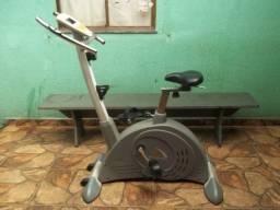 Bicicleta Ergométrica Magnética Vertical Athletic Extreme 1500BV - Profissional