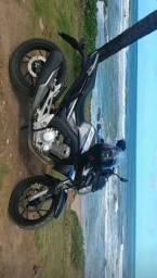 Vende-se uma Honda CB TWISTER