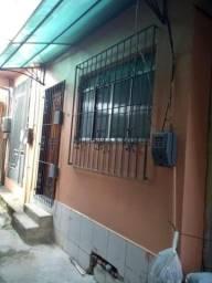 Casa térrea na Roso Danin em frente ao Rola Bola