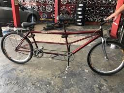 Bicicleta para duas pessoas novíssima
