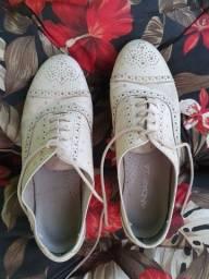 Sapato de couro legítimo com salto