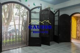Alugo Casa Térrea com 3 dorms. Taboão da Serra - 3 vagas
