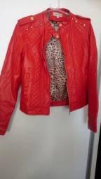 Duas jaquetas semi novas