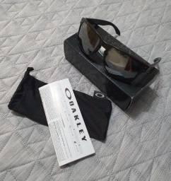 Vendo Óculos de Sol - Oakley Halbrook