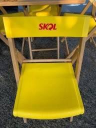 Cadeira SKOL de madeira