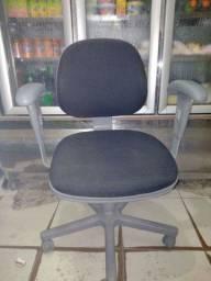 Cadeira de rodízio