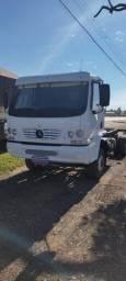 Caminhão Accelo 2011