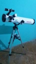 Telescópio novo poucos dias de uso