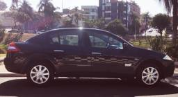 Título do anúncio: Renault Megane  preto sedan em ótimo estado