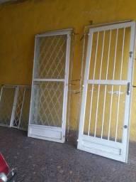 Porta  grade e janela