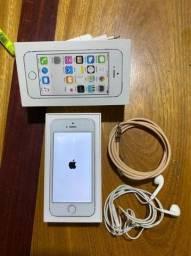 IPhone 5s com todos acessórios