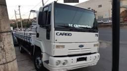 Título do anúncio: Caminhão Ford cargo 712 ano 2011