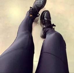 Calça Cirre com ziper no pé