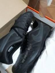 Chuteira campo Nike majestry FG