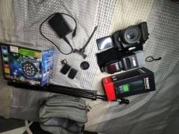 Câmera Canon 60D e acessórios fotográficos