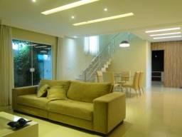 Casa no Condomínio Jardins Ibiza com 5 suítes