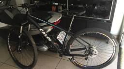 Bicicleta Caloi Vitus 29er, quadro tamanho 17