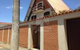Casa à venda com 3 dormitórios em Centro, Batatais cod:38915