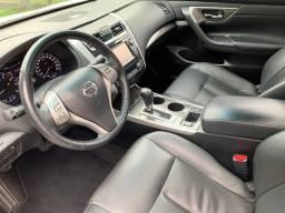 Nissan Altima excelente estado