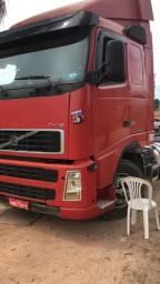 Vendo dois caminhões FH 380