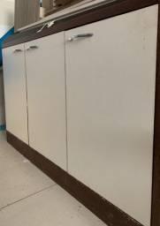 Armário de chão 3 portas