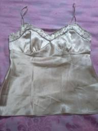 Blusinha de seda com apliques no bojo Tam P