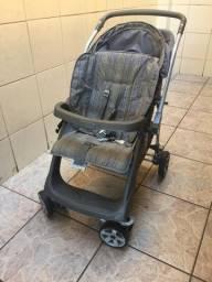 Carrinho de bebê da Burigotto com o  conforto para o carro