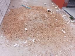 Vendo pouco mais de meio metro de seixo em Pinheiro