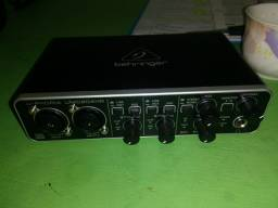 Interface Behringer UMC204