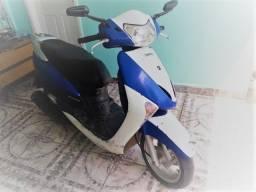 Motocicleta Honda/Lead