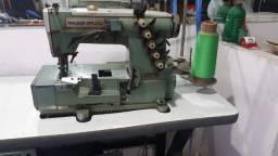 Máquinas de costura industrial com mesa