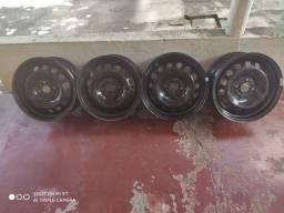 Jogo de Roda de ferro aro 15 + calotas novo onix