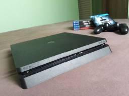 Playstation 4 / 1TB / 5 jogos