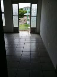 Alugo apartamento em frente ao CDA